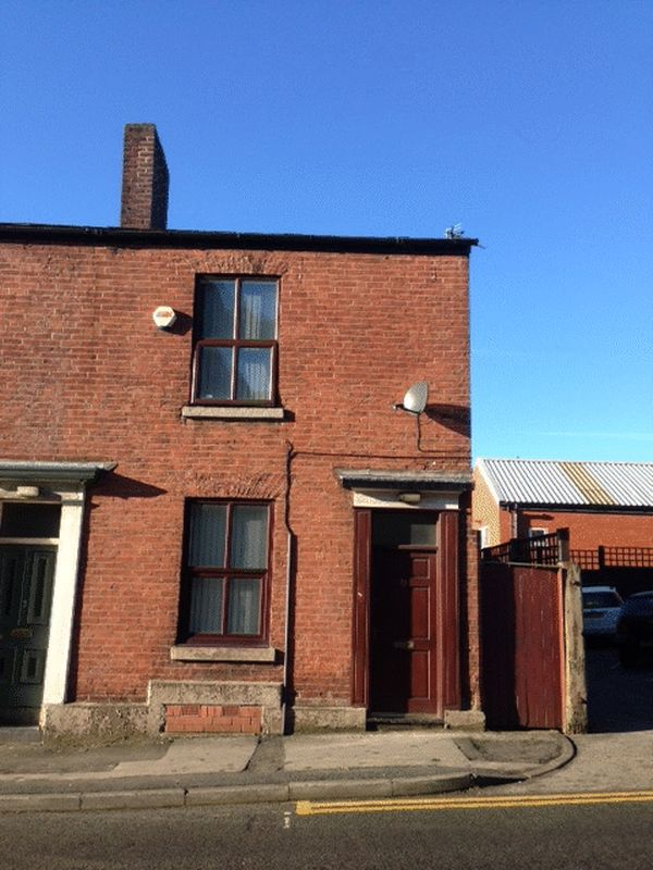 3 bed Semi Detached for rent in Bolton. From Campus Cribs
