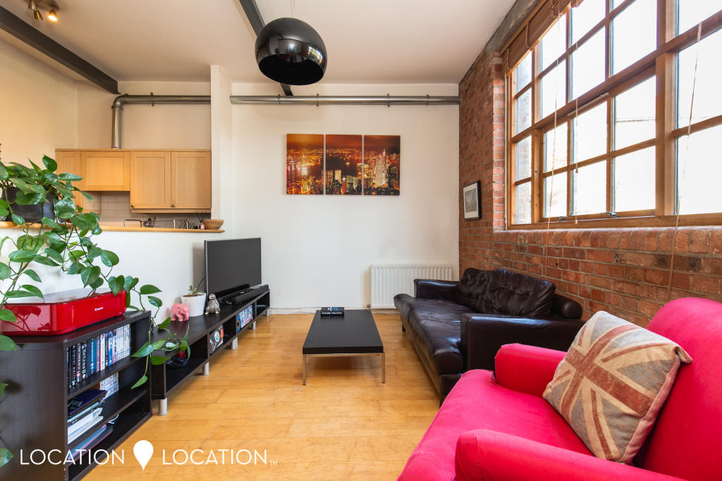 2 bed Flat for rent in N16. From Location Location