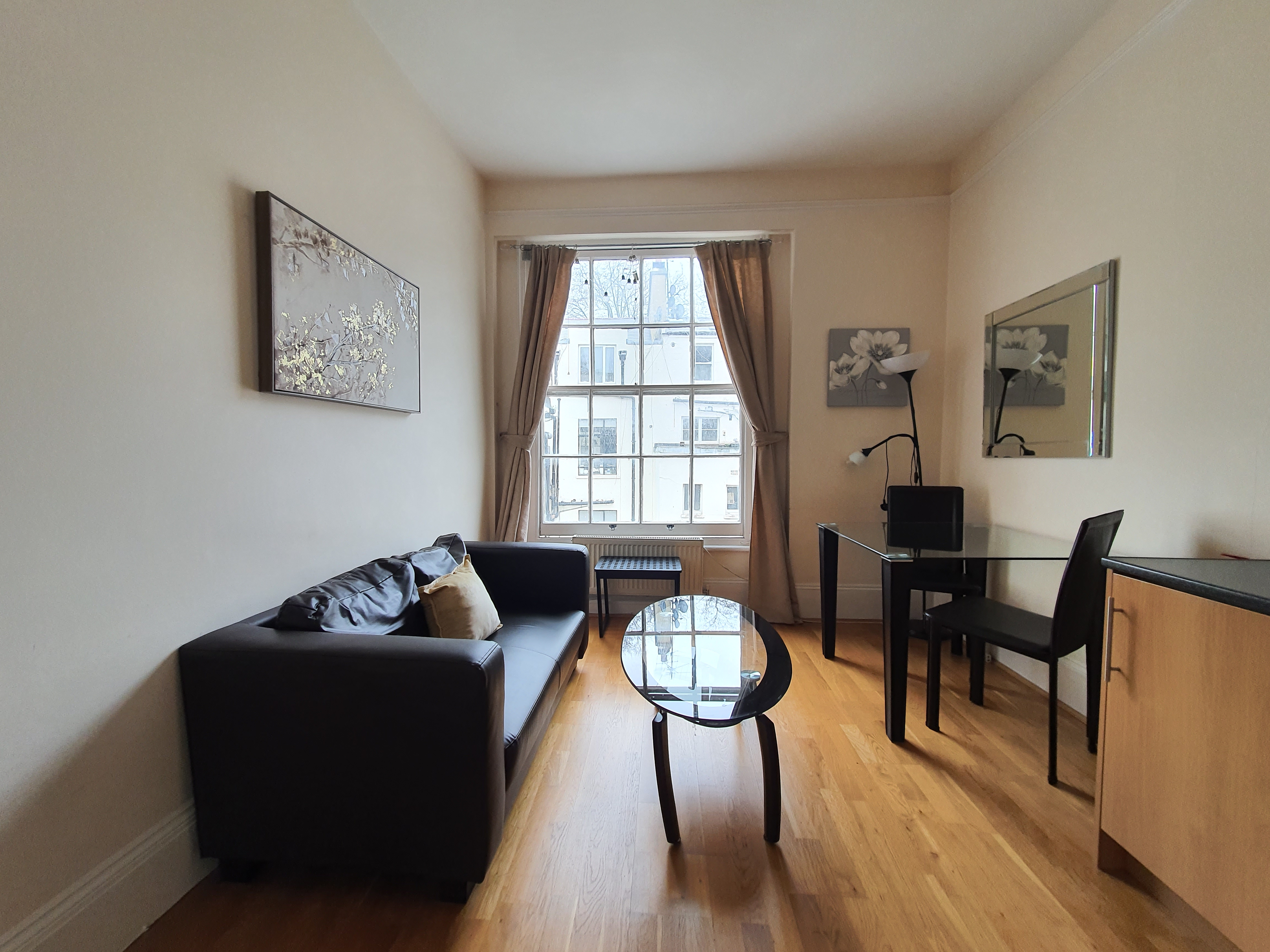 1 bed Flat for rent in London. From Kravens Ltd